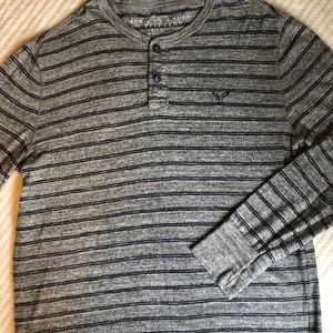 American Eagle Men's Henley button up sweater